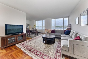 Spacious 2 BR/2 Bath With A Dining Room U0026 Hudson River Views