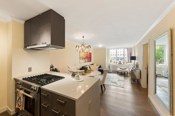 Stunning Battery Park City 1 Bedroom